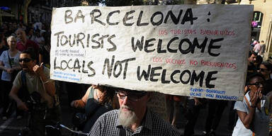 Spanien: Erboste Einwohner greifen Touristen an