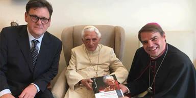 Blaues Auge: Benedikt XVI. schwer gestürzt