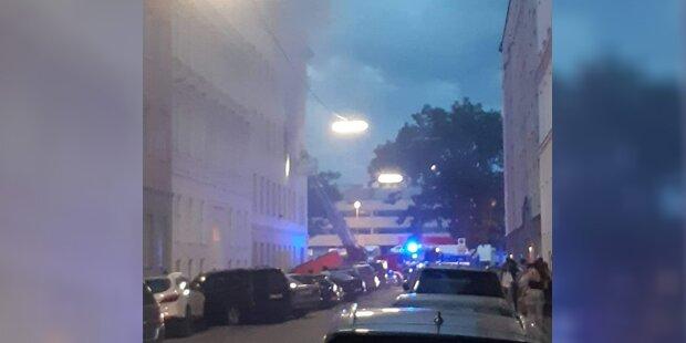 Zimmerbrand löst Großeinsatz in Wien aus