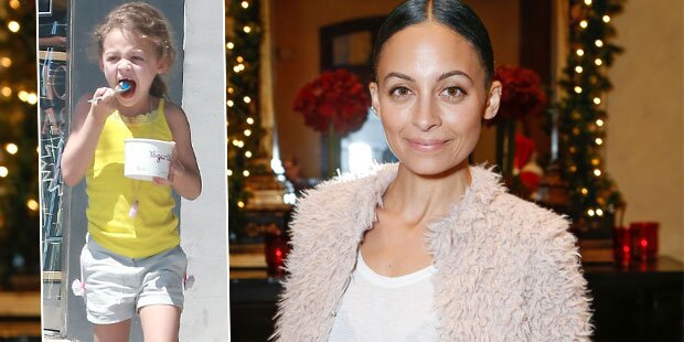 Nicole Richie passt in Tochters (6) Kleidung