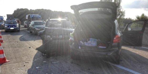 12 Autos in mehrere Unfälle auf der A 1 verwickelt