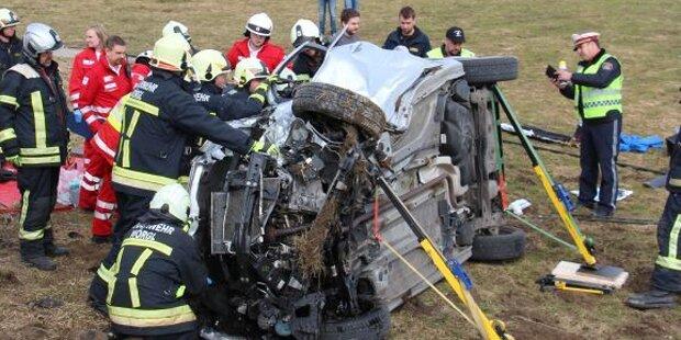 Zwei Tote nach Pkw-Kollision in Tirol