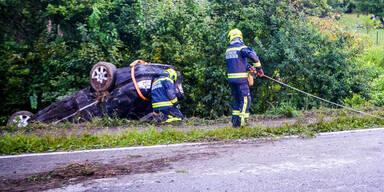Pkw überschlug sich bei Graz: 5 Schwerverletzte