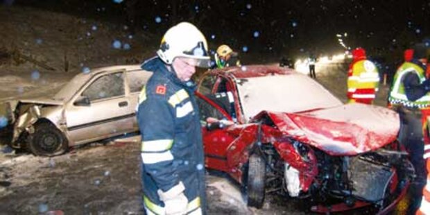 Schnee: 19 Unfälle, 27 Verletzte