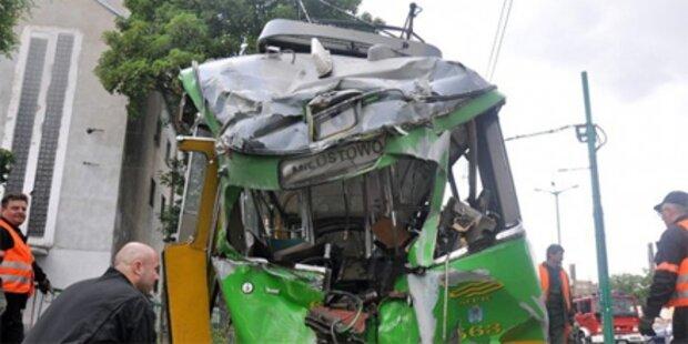 Über 40 Verletzte bei Straßenbahnunfall