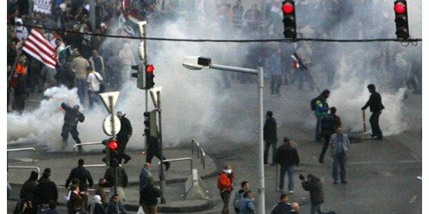 Polizist wegen Brutalität bei Demo verurteilt