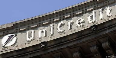 UniCredit gibt Hälfte der Kapitalerhöhung weiter