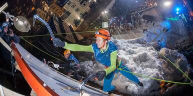 Spektakulärer Eiskletterevent in Bad Gastein