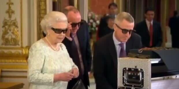 Auf dem Laufenden! Queen hielt Rede in 3D
