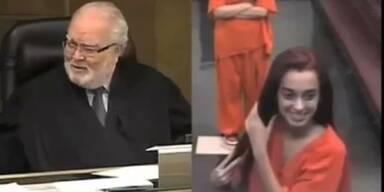 Unter Drogen: 18-Jährige pöbelt Richter an