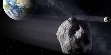 Asteroid donnert knapp an Erde vorbei