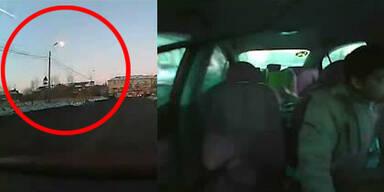 Meteoriten-Regen auf Autofahrer