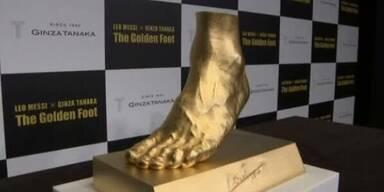 Lionel Messis' Fuß in purem Gold verewigt
