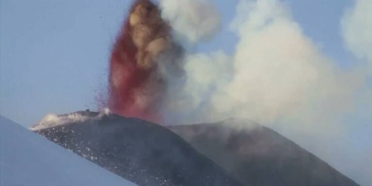 Sizilien: Ätna spuckt erneut Lava und Asche