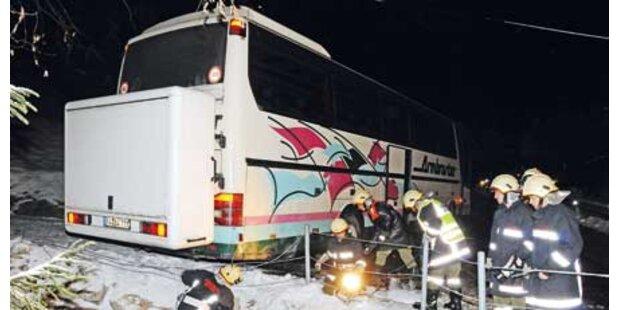 Bus rammte die eigenen Passagiere