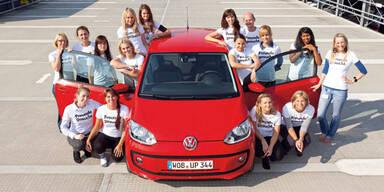 Weltrekord: 16 Personen im VW Up!