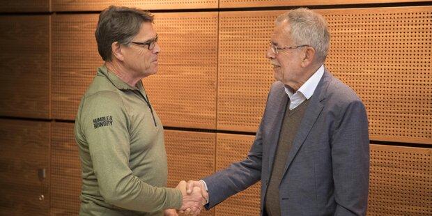 Spontan-Treffen zwischen Van der Bellen & Perry