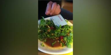 Vapiano-Gast findet Raupe im Salat