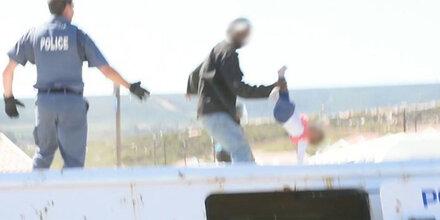 Horror-Vater wirft Tochter vom Dach