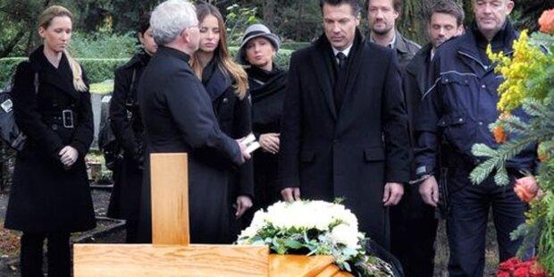 Trauriger Abschied von verstorbener Liebe