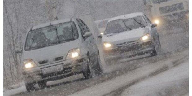 Sturm sorgt für Extrembedingungen auf den Straßen