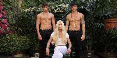 Diese heißen Jungs machen Donatella Versace so richtig nass!