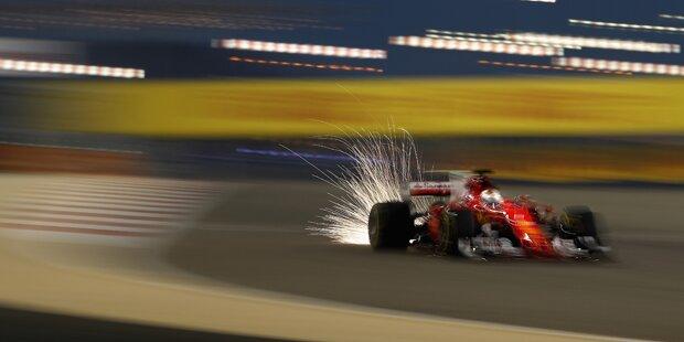 Vettel Tagesschnellster - Hamilton nur Fünfter