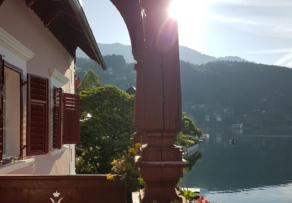Schlosshote See-Villa - ADV - Villa Tacoli - Balkon, See - gerade