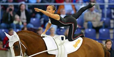 Sissi Jarz auf ihrem Pferd Escudo Fox