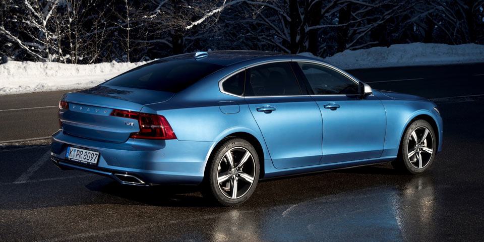 Volvo_S90_R_Design_960-1.jpg