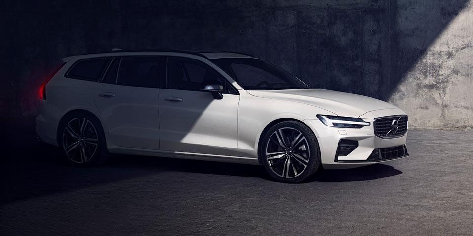Volvo_V60_R-Design-2018o4.jpg