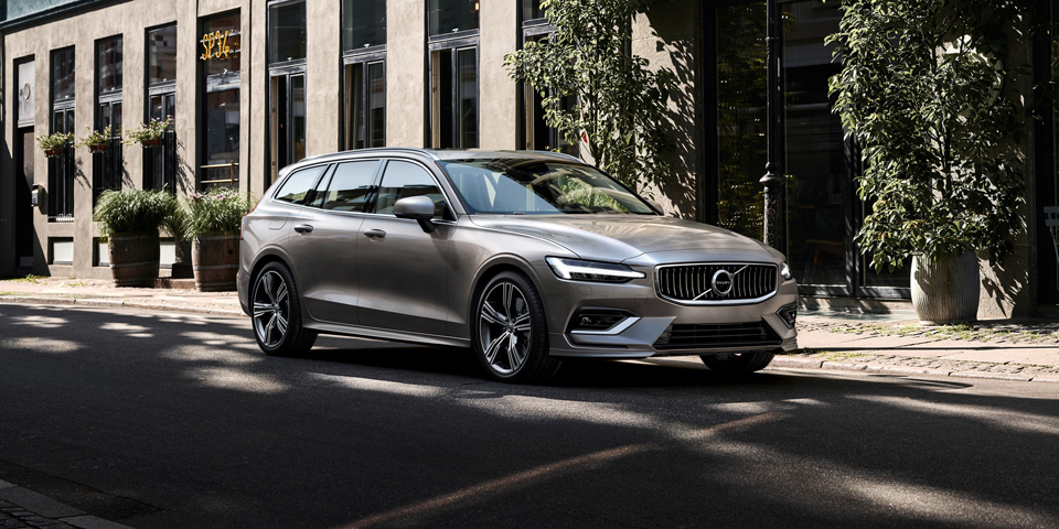 Volvo_V60_Twin_Engine-t6-1.png
