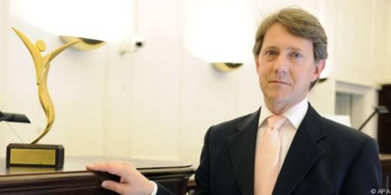 Vorstand Weinzierl sieht Bank nicht gefährdet