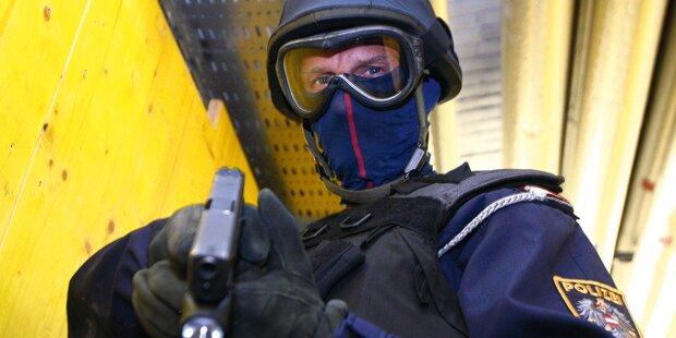 Messer-Attacke auf Polizisten