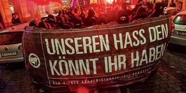 WKR-Ball: Polizei auf Kuschel-Kurs