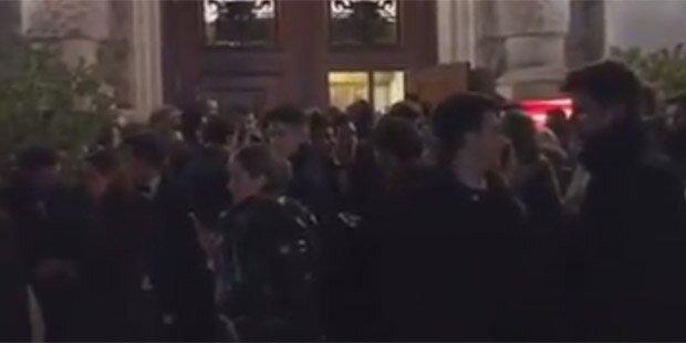 WU-Ball endete mit Polizeieinsatz