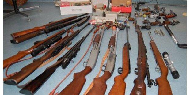 Polizei beschlagnahmt 600 Waffen