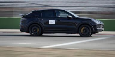 Walter Röhrl testet neuen Porsche-Prototypen