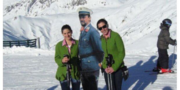 Papp-Polizist Vinzenz aus 2.100 Metern gerettet