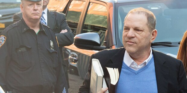 Weinstein stellte sich den Behörden
