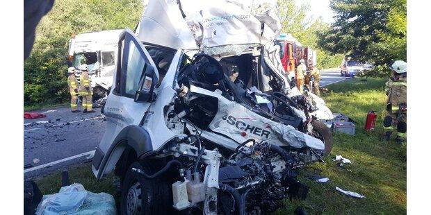 Tödlicher Verkehrsunfall auf der B156