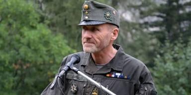 Wieder Wirbel im Bundesheer: Offizier posiert mit Neonazi-Shirt