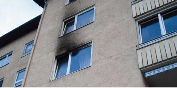 Frau schlief, während Wohnung brannte