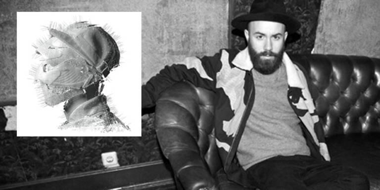 """Es ist, als umgebe sich Woodkid nur mit den schönsten Frauen. Songs der Popsternchen Katy Perry (""""Teenage Dream""""), Rihanna (""""Take Care"""") und Lana Del Rey (""""Born To Die"""") hat er in Videos gegossen - und dafür schon verschiedene Musikpreise und Nominierungen eingeheimst. Am 15. März kommt mit """"The Golden Age"""" das Debütalbum des Franzosen in die Plattenläden - die Musik ist alles andere als Mainstream-Pop."""