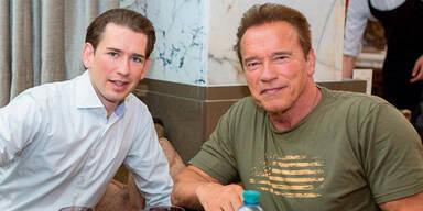 Kurz und Arnie Schwarzenegger