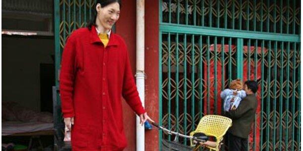 asien frauen suchen mann Single frauen aus asien treffen und heiraten, geht auch in deutschland man muss nicht unbedingt nach asien reisen, um tolle single frauen aus asien kennenlernen und zu heiraten.