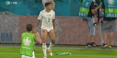 Italien-Profi Giovanni di Lorenzo zog nahc dem 2:1-Sieg gegen Belgien blank, stand plötzlich nur in Unterhose da