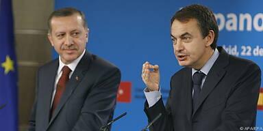 Zapatero (r.) verspricht Unterstützung für Erdogan