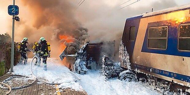 Zug-Crash: Feuerwehr klagt ÖBB