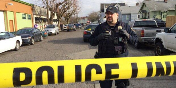 Schüsse vor High-School: Vier Verletzte
